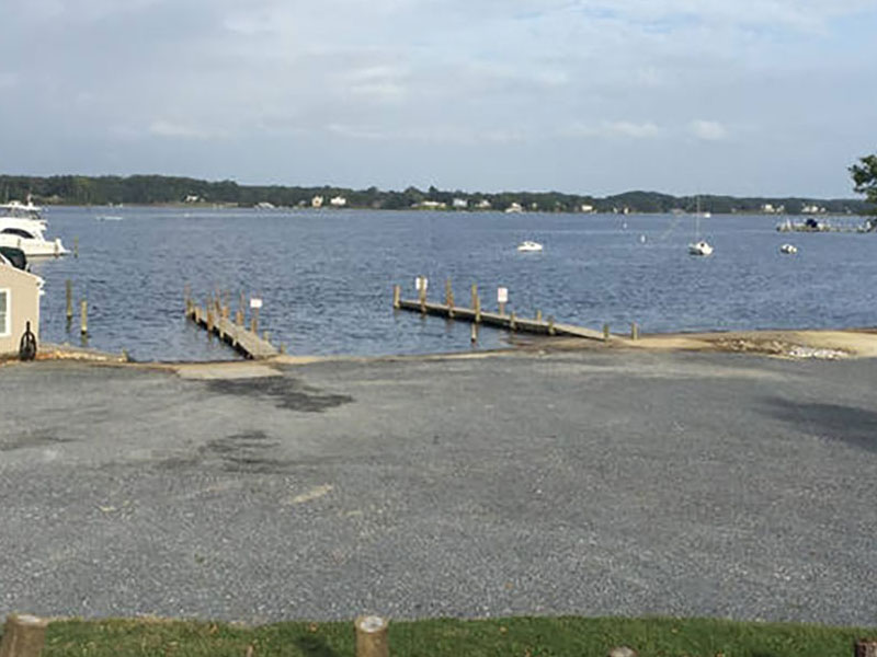 Come to Pier 7 Resort Marina for your boat storage and boat ramp needs. Secure, gated marina with boat ramp on the South River.